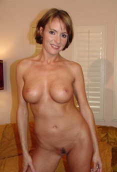 Saskia Steele