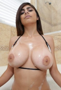 Mia khalifa pornpics