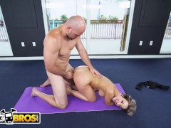 BANGBROS - PAWG Jada Stevens Teaches J-Mac all about Yoga
