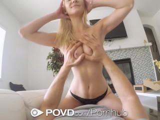 Kuriér zvedie sexy štíhlu blondínu