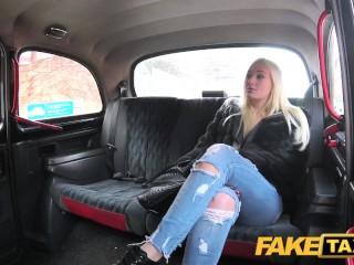Divoký sex v taxíku