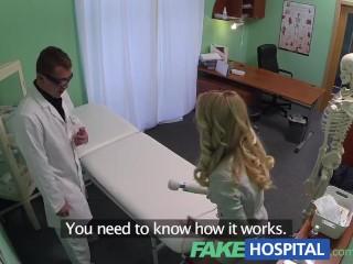 Blondínka si príde k lekárovi zašukať