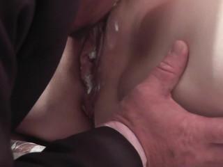 Šef je šľahačku so svojej sekretárky