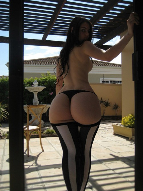 Chicas latinas - Jovencitas Desnudas