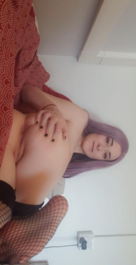 E-girl showing off body in lingerie