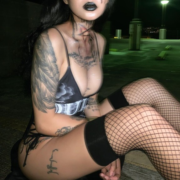 Bella Poarch TikTok sexy bikini 18+