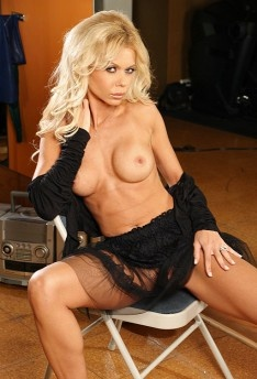 Barbi Sinclair