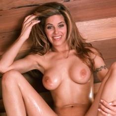 sexy curvy naked babe
