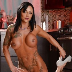ashton nude amateur tattoo