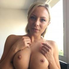 Elliot reid nude