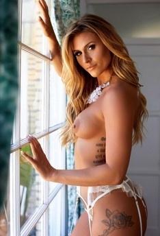 ella nude