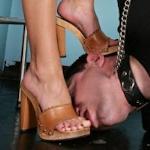femalefootdom
