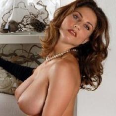 jessica simpson boob pics