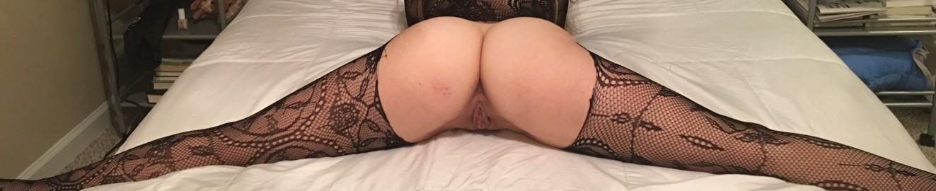 Teasing girlfriend gives a stranger a handjob