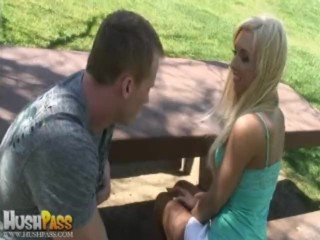 Bubble Butt Jessica Lynn Gets Some Aussie Dick!