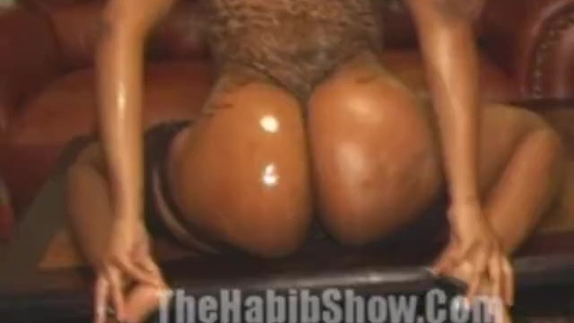 Bubble But Stripper Gets Fucked