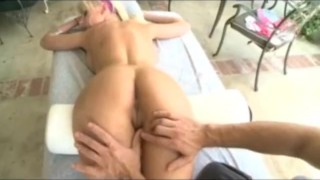 Fuck blonde bombshell oily sclip doggystyle