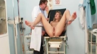 Vanesa extreme pussy gaping on gyno chair at kinky gyno clinic Pussy natural