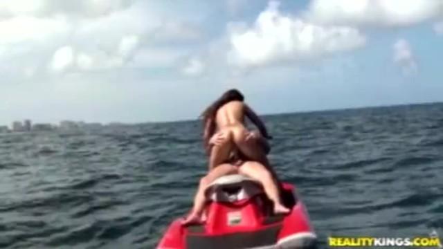 Install flat bottom vessel Sex on vessel