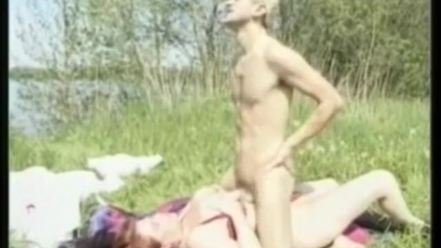 Lady naked plump - Plump mommy riding cock in the sun