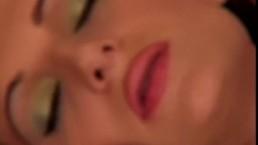 Hot Horny girl rubbing her muff