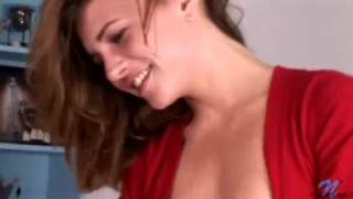 Smoldering sex and blowjob delivery