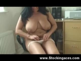 Busty Babe Nikki lord Fucks Pussy
