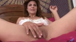 Mature gentle dildo love