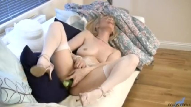 Mature fucking cucumber 6 - Cucumber mature housewife fuck