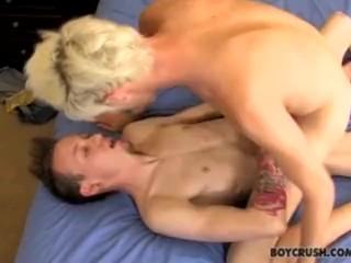 Bed lesbian post