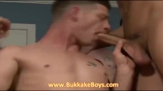Hunk gives blowjobs and handjobs Cum cumonwives