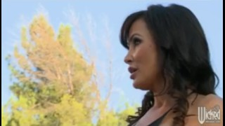 Hot Milf Pornstar Lisa Ann has big ass eaten out and fucked anal porno