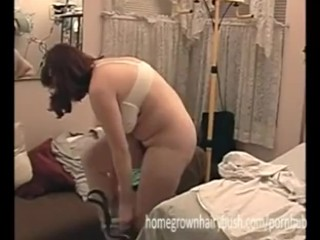HomegrownHairyBush – Liz Gives Mariah A Checkup