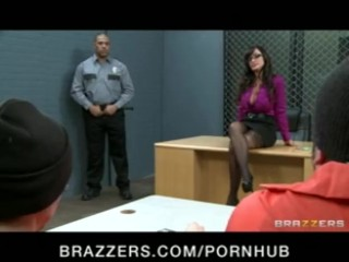 Big tit milf lisa ann is double-penetrated in hardcore gang-bang - brazzers