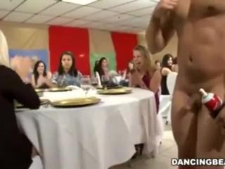 Lindsay lohoan nude photos