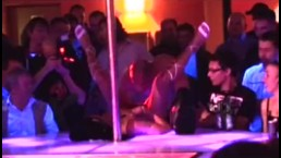 Porn on stage stripper babe gets fucked by profesional