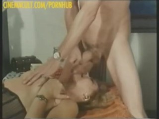 The Adult Video Experience – Marina Lotar, Karin Schubert – Supermaschio per mogli viziose
