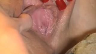 Lesbea Straight woman tries lesbian sex