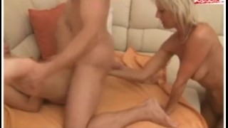 Geiler FFM Dreier mit Fisting und Orgasmus