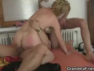 Lilli carati und Ilona Staller - Haut tief