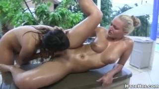 Hot All Girl Outdoor Group Sex In The Tropics