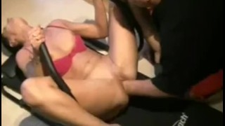 Fist my pussy while i workout my abs porno
