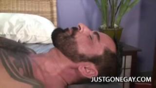 Muscle Black Dude Fucks A White Tattooed Bear