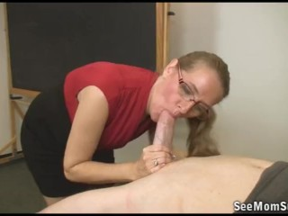 Xxx Amateur Pictures Free Student is failing but his teacher will pass him with a suckoff
