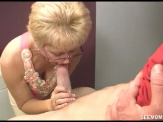 Morning Threesome Girlfriend s mom wants to clean his cock with her mouth full of Tide