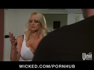 Big-tit blonde MILF Stormy Daniels fucked on the hood of her car