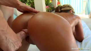 Big-tit blonde MILF Holly Tyler gets a sensual massage before sex Pornstar view