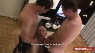 Straight guys serviced by older men Blond phoenixxx.com