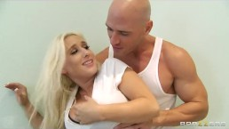 Busty blonde bombshell Sammie Spades fucks her personal trainer