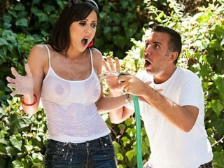 Mia Amateur Allure Sexy big - tit gardener Kendra Lust is fucked by her assistant